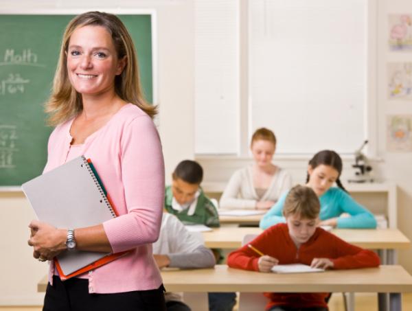 Mi lesz a sorsa a gyermekeinket nevelő pedagógusoknak?