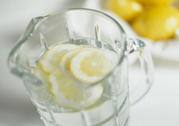 7 ok, amiért érdemes citromos vízzel indítani a napot