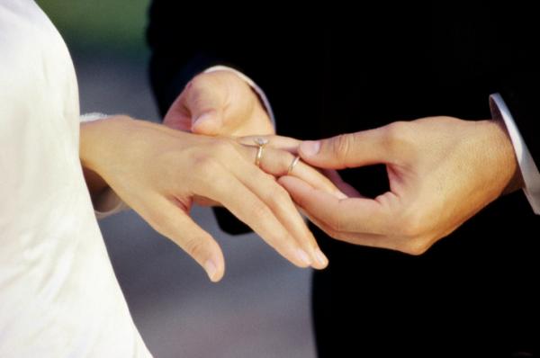 Csak házasságot kötsz, vagy szerződést is?
