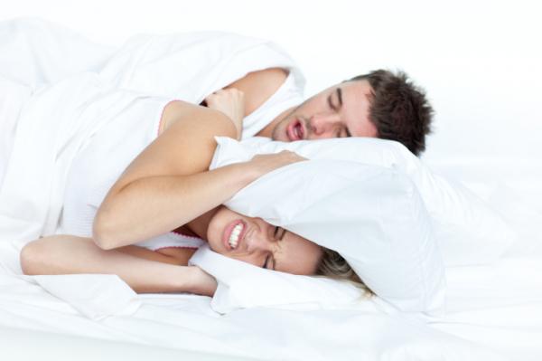 Horkolás, arcüreggyulladás - Az orrsövényferdülés jelei
