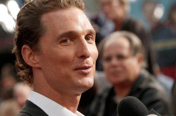 Matthew McConaughey hisz a hála jótékony hatásaiban