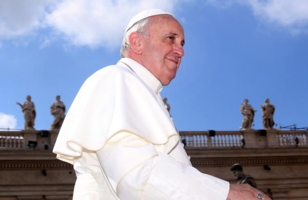 Ferenc pápa szellemi és testi fogyatékkal élők lábát mosta meg