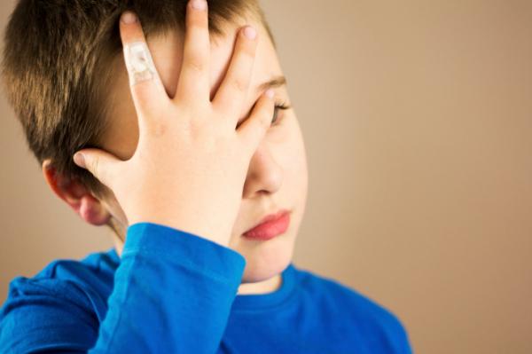 Mitől fájhat a gyerek feje?