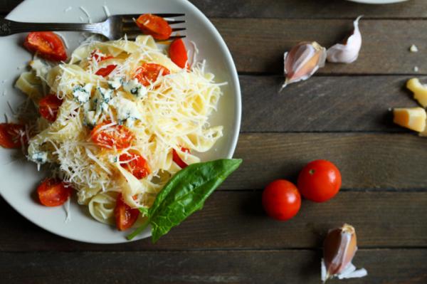 Így csökkenti a vérnyomást a mediterrán étrend