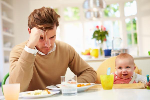Az apák is depressziósok szülés után