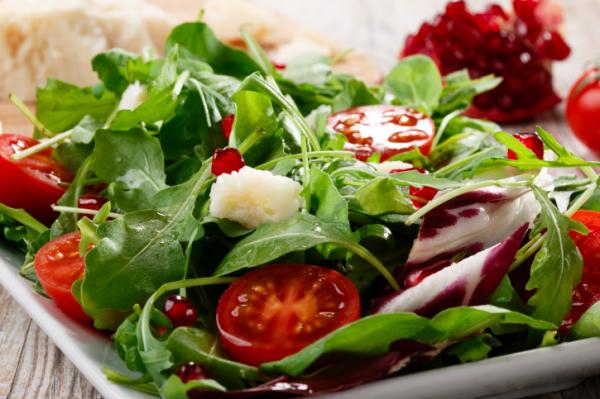 Rukkola saláta gazdagon - Egészségséfünk receptje