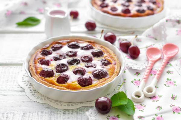 Tejszínes cseresznyés lepény - Egészségséfünk receptje