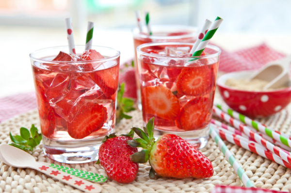 Édes eperlimonádé cukor nélkül - Hűsítő recept