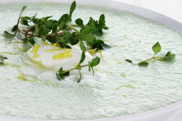 Hideg joghurtos uborkaleves - Recept a forró napokra