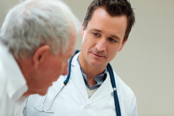 Vigyázzon az egészségügyi vizsgálatokkal! Átverik az időseket