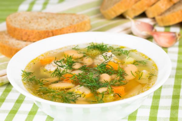 Tárkonyos zöldségleves húsgombóccal - Egészségséfünk receptje