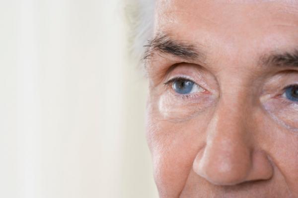 A memórián is javíthat a szürkehályogműtét