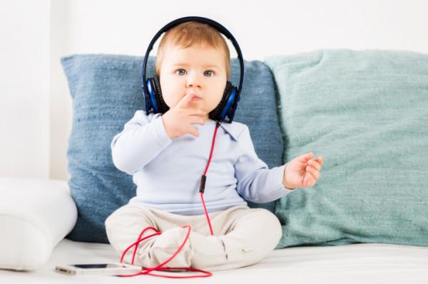Így hat a zene a gyerekek fejlődésére