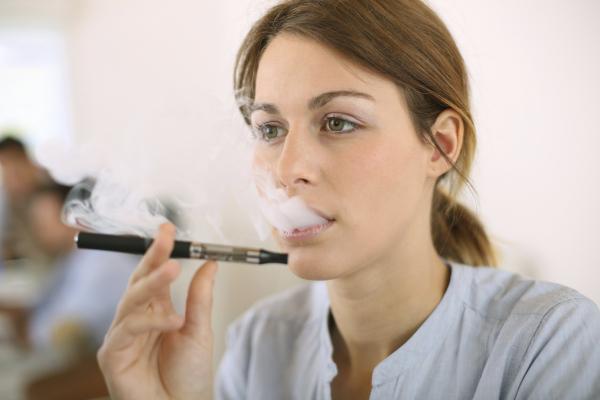 Tiltólistás lesz az elektromos cigaretta?