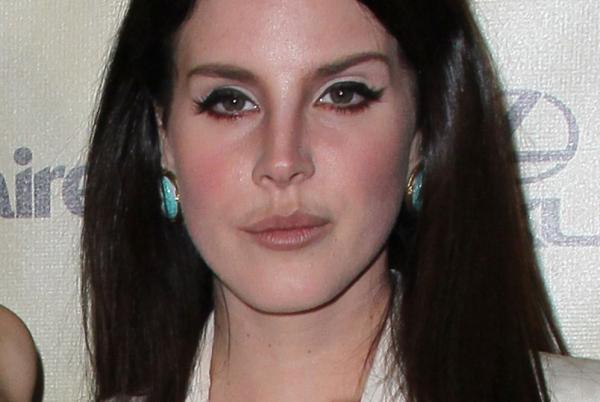 Ismeretlen betegséggel küzd az énekesnő