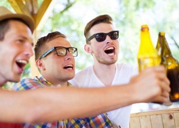 Érdekes okok miatt isznak sokat a férfiak