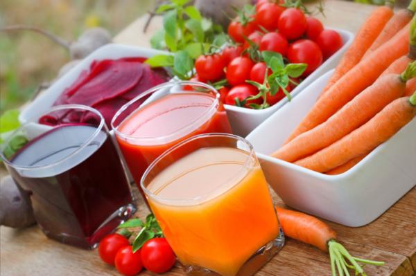 Betegségűző zöldség- és gyümölcslevek őszre