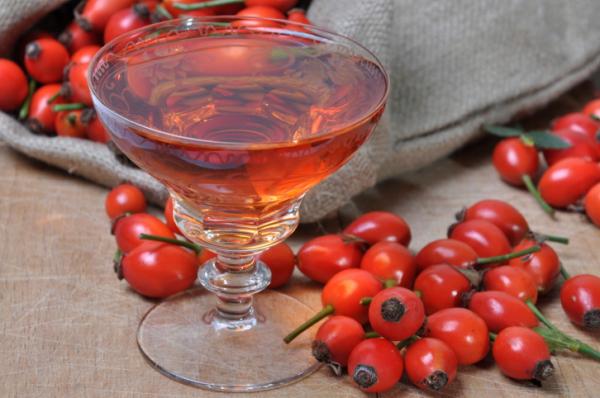 Csipkebogyó likőr - Egészségséfünk receptje
