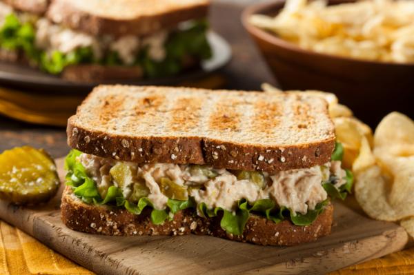 Tonhalas szendvics - Egészségséfünk receptje