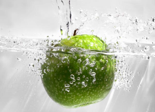 Így mosd meg az almát, hogy vegyszermentes legyen!