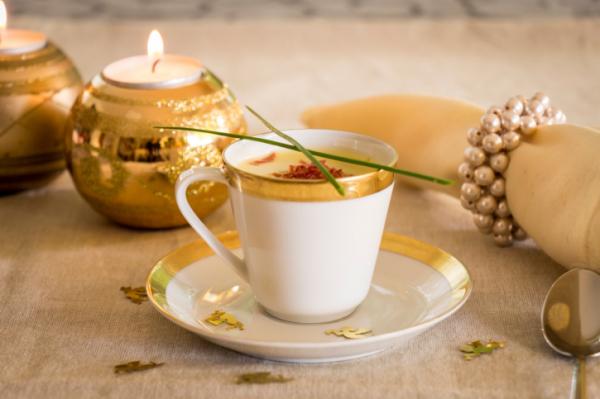 Borleves pirított mandulával - Karácsonyi menü