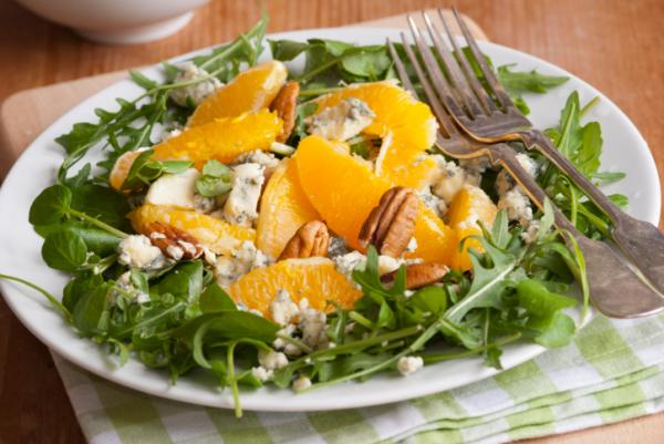 Narancsos-kecskesajtos saláta - Egészségséf