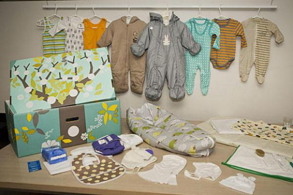 Szerencsések! Nézze meg, mit kapnak a finn kismamák az államtól!