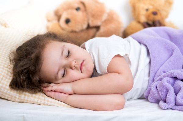 Mennyi alvásra van szüksége egy gyereknek?