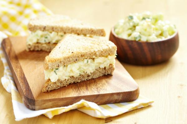 Tojásos szendvics tízóraira - Egészségséf