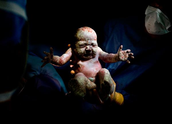 Ilyenek vagyunk, amikor megszületünk – Fotók