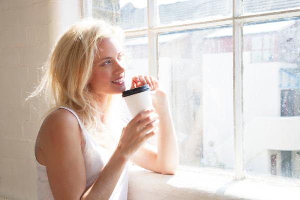 Kávé és napfény - Ezzel lehet megelőzni az SM-et?