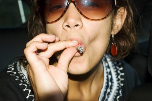 Többen szoknak rá a marihuánára, mint a cigarettára