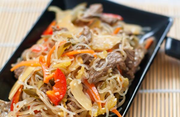 Zöldséges csirkemell rizstésztával - Egészségséf