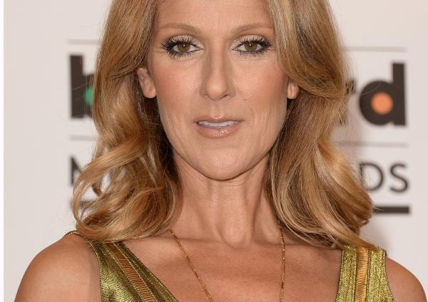Egy csövön át eteti rákos férjét Celine Dion