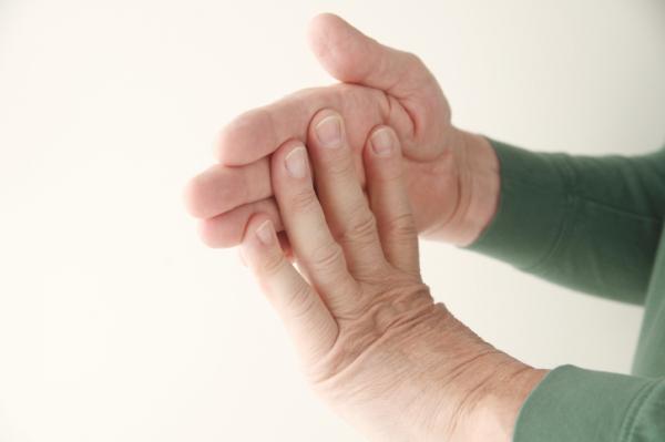 Ropogtatja az ujjait? Jobb, ha ezt tudja