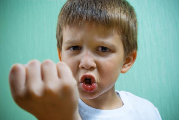 Mit okoz a gyerekben, ha társai megfélemlítik?