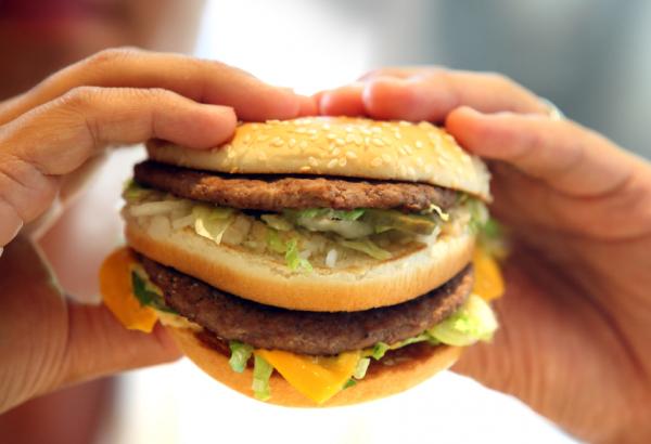 A gyorséttermi ételek elpusztítják a ráktól óvó baktériumokat