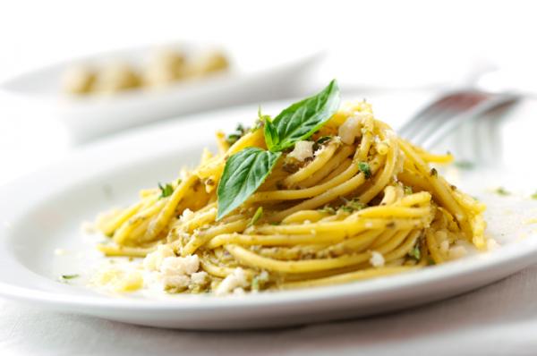 Kecskesajtos, karfiolos spagetti - Egészségséfünk receptje