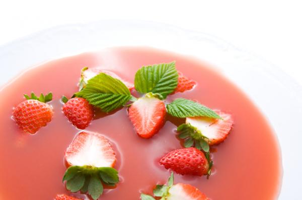Rebarbarás eperleves - Egészségséfünk receptje