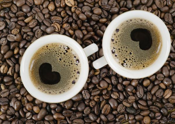 Ki mennyi koffeint fogyaszthat?